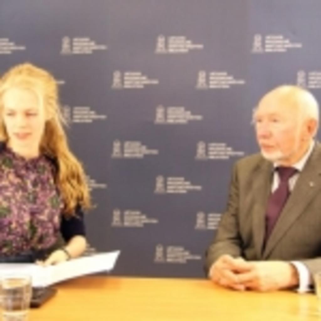 Transliacijos vedėja Gabija Daukšaitė ir etnologas prof. Libertas Klimka