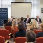 Renginį moderavo Nacionalinės bibliotekos Informacijos analitikos skyriaus vadovas Ginas Dabašinskas. Nuotr. Sauliaus Žiūros