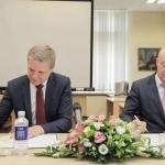 Pasirašomas ketinimų protokolas dėl Nacionalinės bibliotekos ir Vilniaus miesto savivaldybės bendradarbiavimo. Nuotr. Sauliaus Žiūros