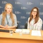 Transliacijų organizatorė ir vedėja Gabija Pankauskienė su Elektronikos platintojų asociacijos socialinių projektų vadovė Laura Vanagiene