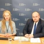 Transliacijų organizatorė ir vedėja Gabija Pankauskienė su Elektronikos platintojų asociacijos vadovu Linu Ivanausku