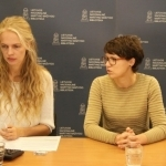 Transliacijos vedėja Gabija Pankauskienė su LESTO Socialinės atsakomybės projektų vadove Agne Juravičiene