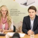 Tiesioginių transliacijų organizatorė Gabija Pankauskienė su Rytų Europos studijų centro direktoriumi Linu Kojala