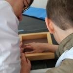 Dalyviai atliko praktinę užduotį – patys gamino popieriaus lakštus
