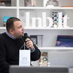 Aleksandrijos bibliotekos Specialiųjų projektų departamento direktoriaus pavaduotojas Mahmoudas Ezzatas