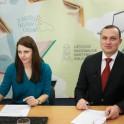 Nacionalinės mokėjimo agentūros Viešųjų ryšių poskyrio vyriausioji specialistė Armina Glemžaitė su Nacionalinės mokėjimo agentūros direktoriumi Eriku Bėrontu