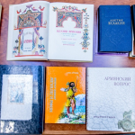 Armėnijos Respublikos ambasadoriaus Tigrano Mkrtchyano dovanotos knygos