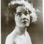 Unės Babickaitės-Graičiūnienės portretinė nuotrauka, apie 1925 m.