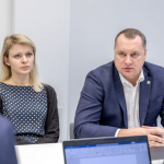 Nacionalinės bibliotekos Komunikacijos ir rinkodaros departamento direktorė Viktorija Pukėnaitė-Pigagienė ir generalinio direktoriaus pavaduotojas infrastruktūrai Aidas Sinkevičius