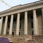 Nacionalinės bibliotekos senojo pastato fasadas, 2010 m. kovo 20 d. Pagrindinio įėjimo laiptų rekonstrukcija