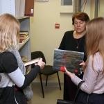 Su lietuvių diasporos istorija ir jos dokumentiniu paveldu mokinius supažindino projekto vadovė Jolanta Budriūnienė