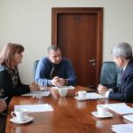 Nacionalinės bibliotekos ir YIVO atstovų pasitarimo akimirka