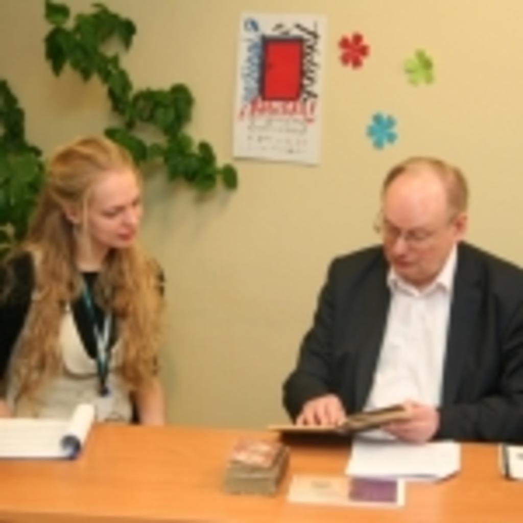 Transliacijos vedėja Gabija Daukšaitė ir Česlovas Juršėnas
